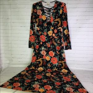 Forever 21 Floral Long Sleeve Lace Up Maxi Dress